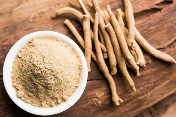 Ashwaganda powder and root